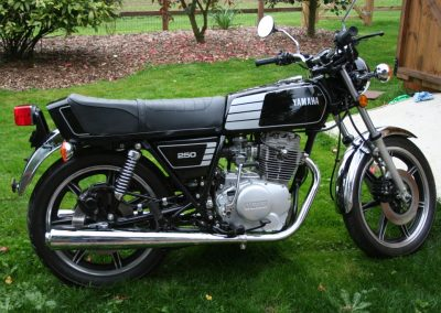 Yamaha_XS400_powder_coated-1024x683