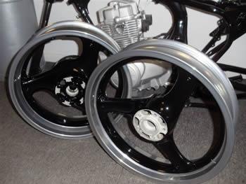 black_and_chrome_powder_coated_wheels_4