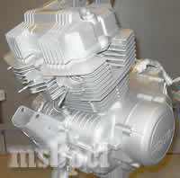 silver_honda_engine