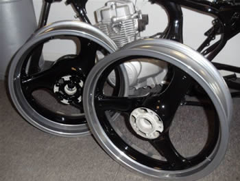 black_and_chrome_powder_coated_wheels_4