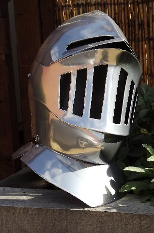 knight-helmet1