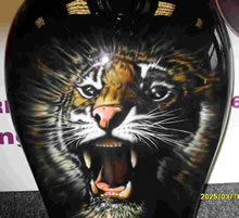 tiger_painted_petrol_tank